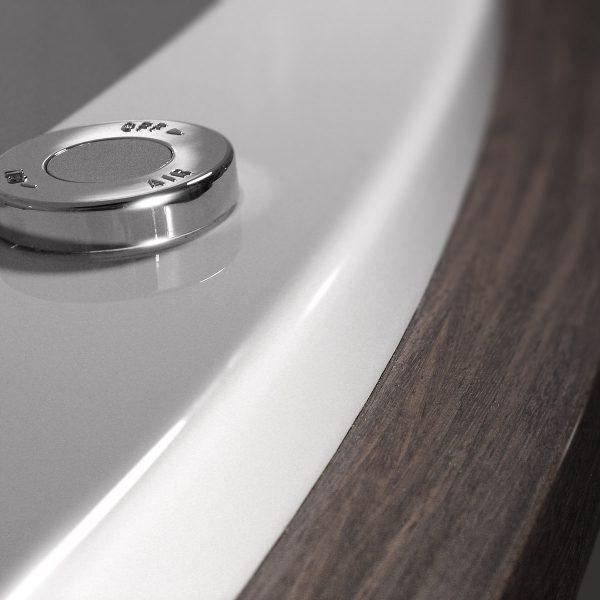 Bathtub detail